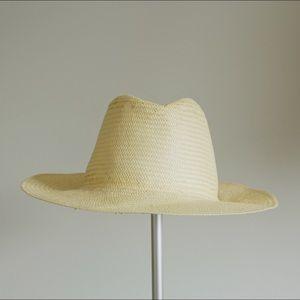 Aritzia Summer Straw Hat (BNWOT)